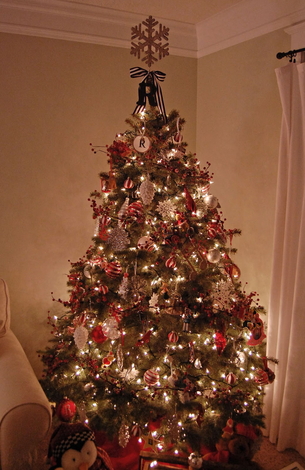 O Christmas Tree! · The Girl in the Red Shoes