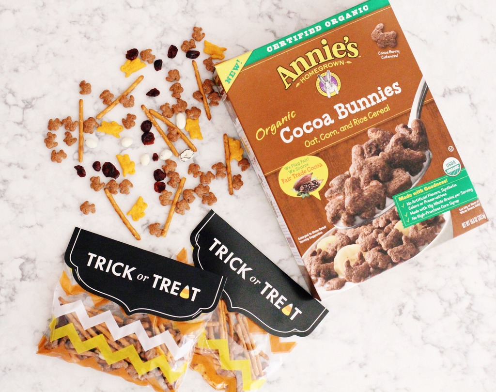Cocoa Bunnies Snack Mix
